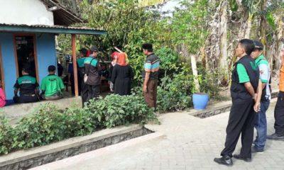 BUDAYA : Rumah duka dikunjungi relawan RAPI dan petugas BPBD serta warga desa setempat.(ist)