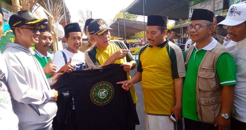 Ketua PC NU Malang dr H Umar Usman MM Bersama Bupati Malang. (sur)