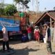 Pendistribusian Jariah Air Unira Malang, di Desa Kelpu Kecamatan Sumbermanjing Wetan. (ist)
