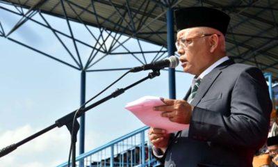 Bupati Malang Drs HM Sanusi MM Bertindak Selaku Irup Dalam Upacara Peringatan Hari Pahlawan di Stadion Kanjuruhan. (sur)
