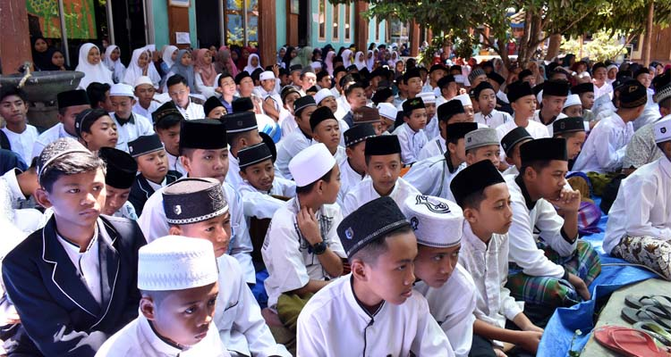Acara Peringatan Maulid Nabi Muhammad S.A.W di Yayasan Nasrudin Dampit. (Sur)