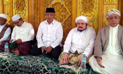 Bupati Malang Drs HM Sanusi MM Bersalawat. (sur)