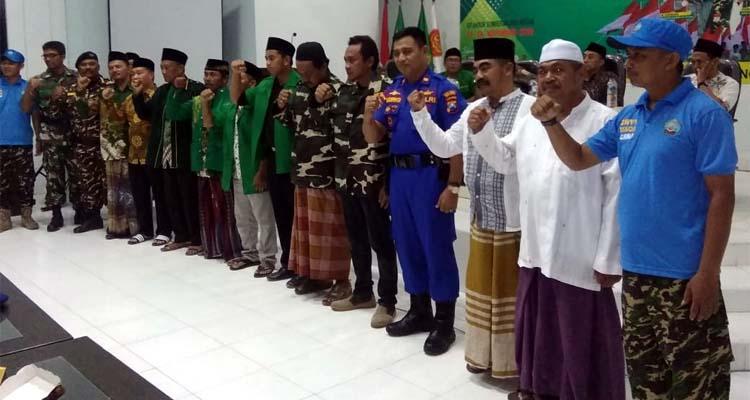 Foto Bersama. (H Mansyur Usman/Memontum.Com)
