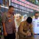 Bupati Malang Drs HM Sanusi MM Tandatangani Prasasti Peresmian Pengoperasian GEJI di Gedangan. (sur)