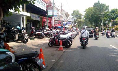 Kondisi Parkir di Depan Kantor BPJS Jl Panji Kepanjen. (ist)