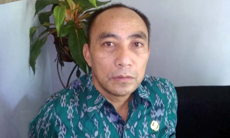 Budi Suliono Camat Sumawe. (H Mansyur Usman/Memontum.Com)