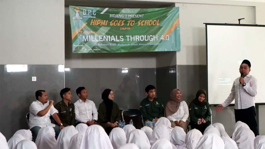 Hendik Purbaya, Ketua BPC HIPMI Kabupaten Malang Beri Arahan Kepada Siswa. (ist)