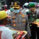 Senyuman Tukang Becak Terima Sembako Kapolres Malang