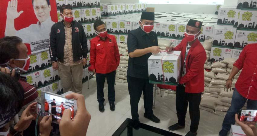 Ahmad Basarah Baksos Bagikan 10.000 Kg Beras dan Ribuan Paket Bantuan se Malang Raya