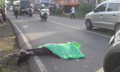 Jenazah Moerdjiono (66) tergeletak di Jalan Raya Ngebruk (Barat Alfamart Ngebruk).